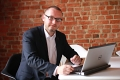 Pośrednik Adam Smułka pracujący w biurze nieruchomości: Olsztyńskie Centrum Nieruchomości s.c.
